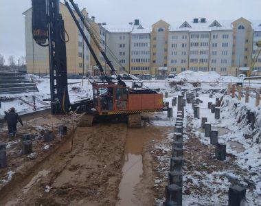 Жилой дом в г. Фаниполь. 300 забивных свай. Январь 2021.